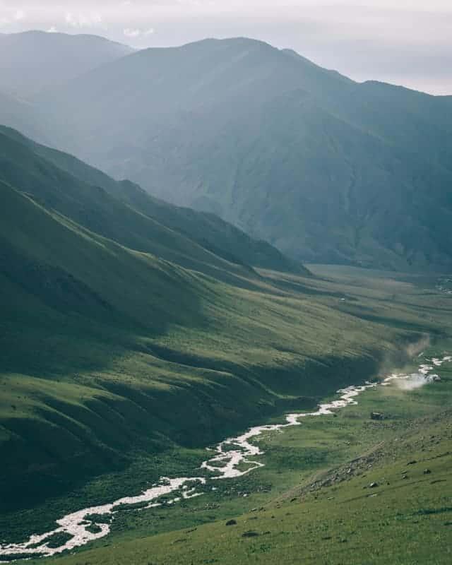 Komgur Olong vallée Kirghizistan