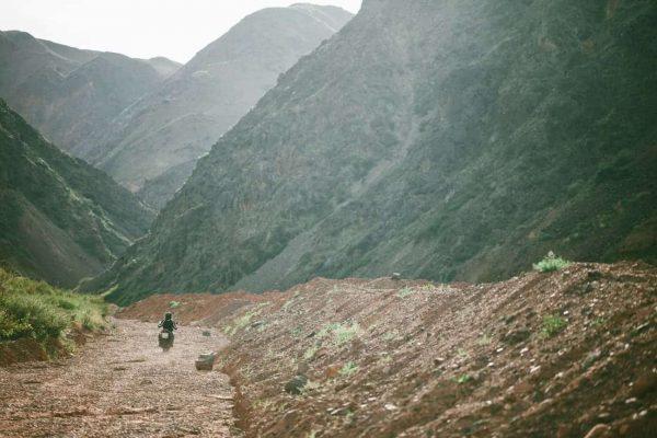 road trip moto kirghizistan