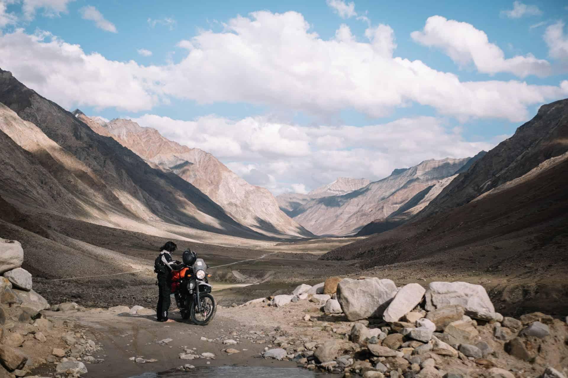 Explore Ladakh en Royal Enfield Zanskar vallée