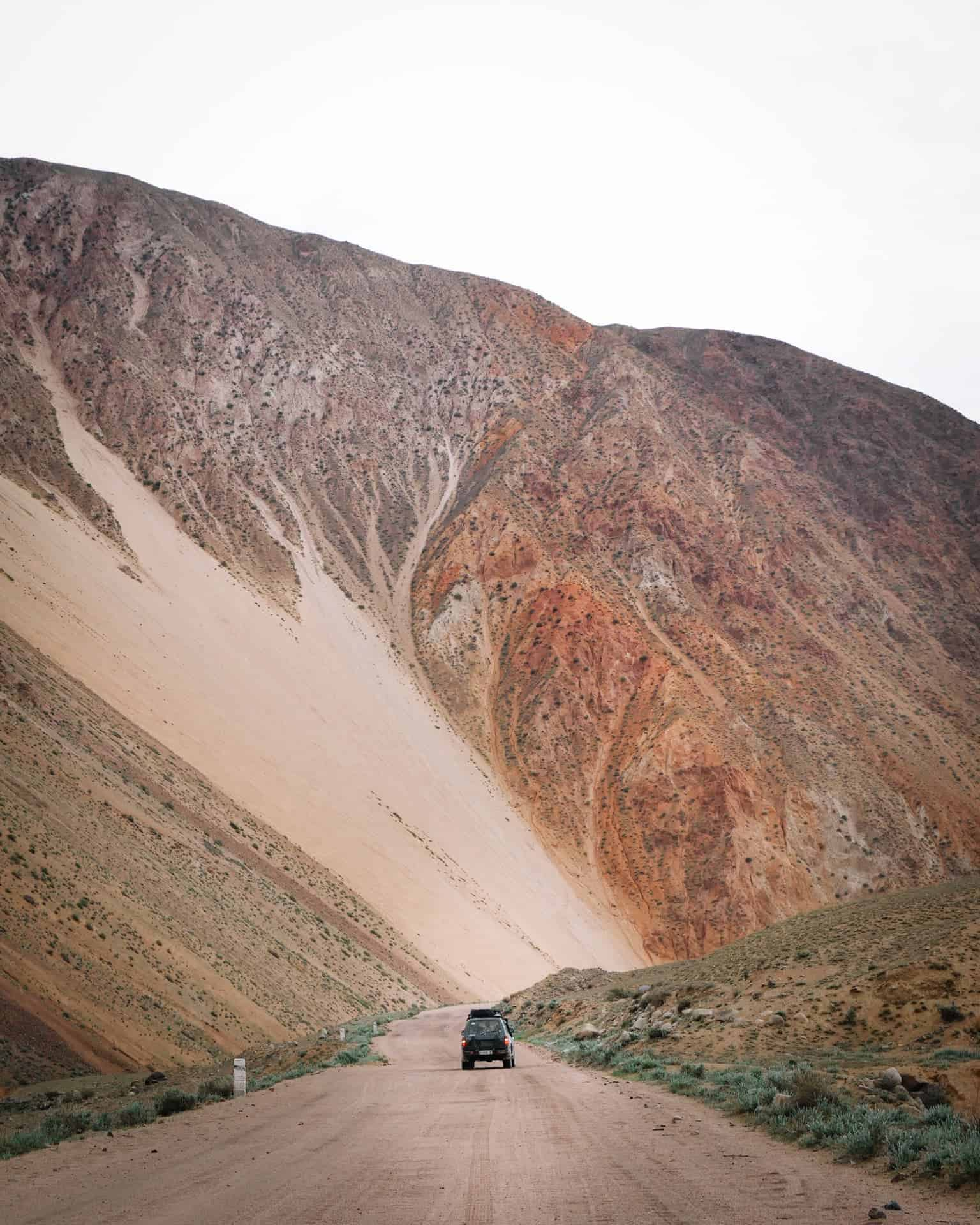 toyota land cruiser 4x4 piste off road Kirghizistan gorges de kökömeren