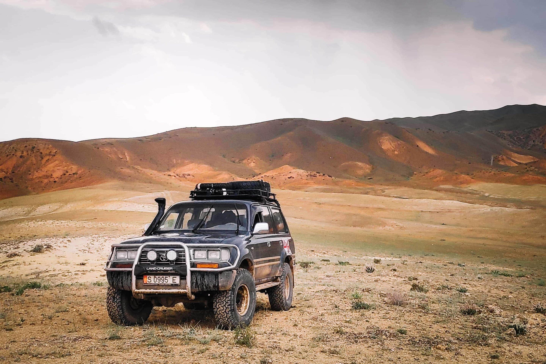 toyota land cruiser 80 off road rehaussé ountravela au Kirghi