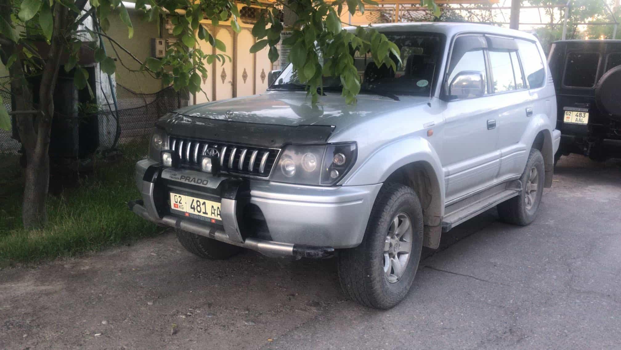 Toyota Land Cruiser Prado 4x4 95 series à louer au Kirghizistan