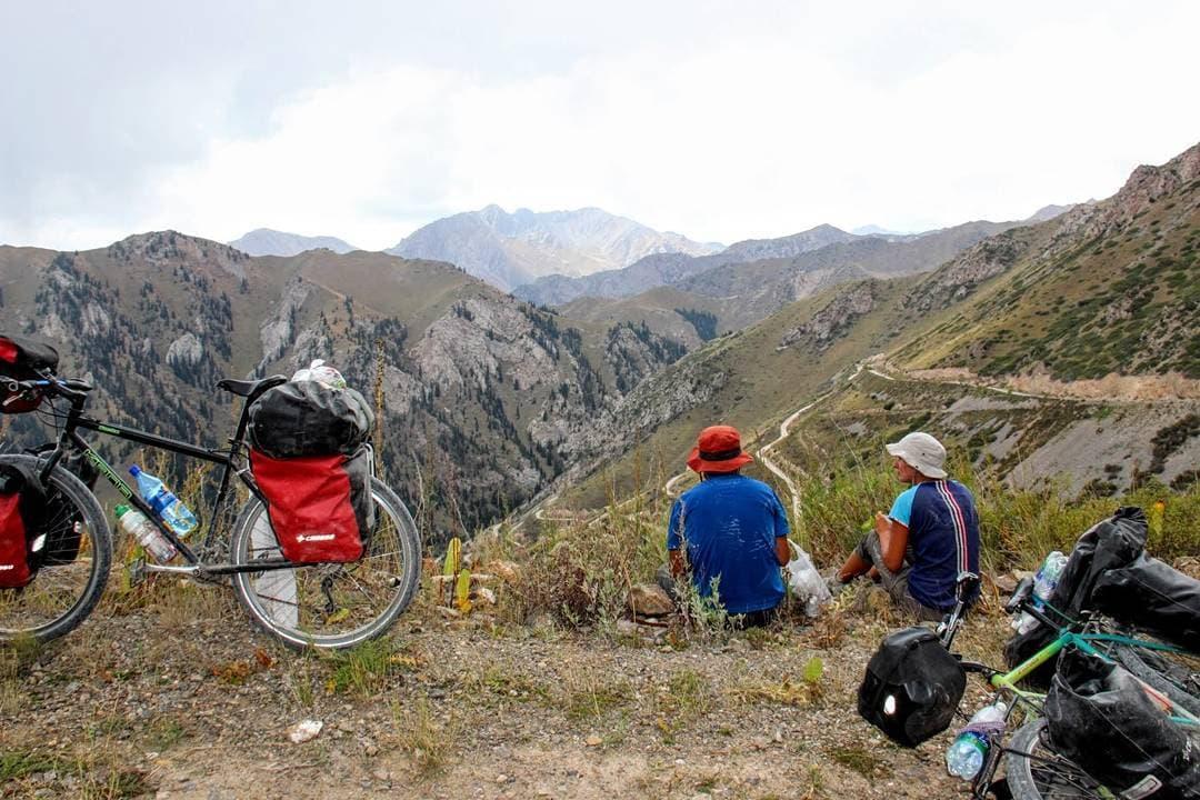 louer landcruiser 70 series au kirghizistan
